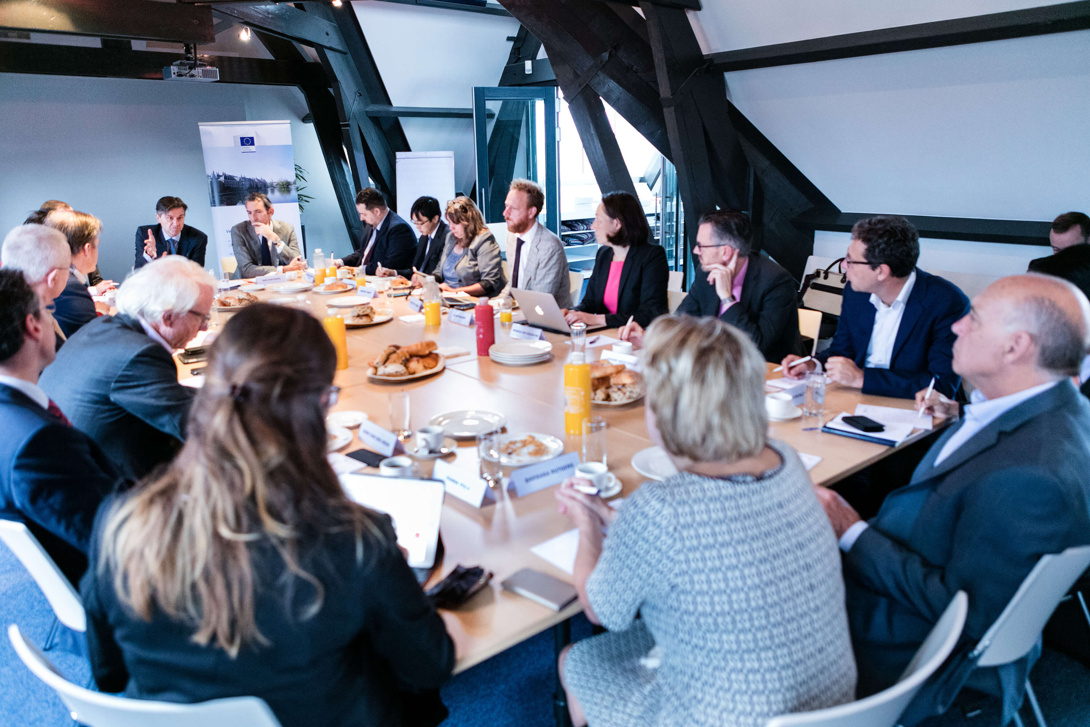 Roundtable discussion during the Future of Europe Breakfast on Brexit with Stefaan de Rynck