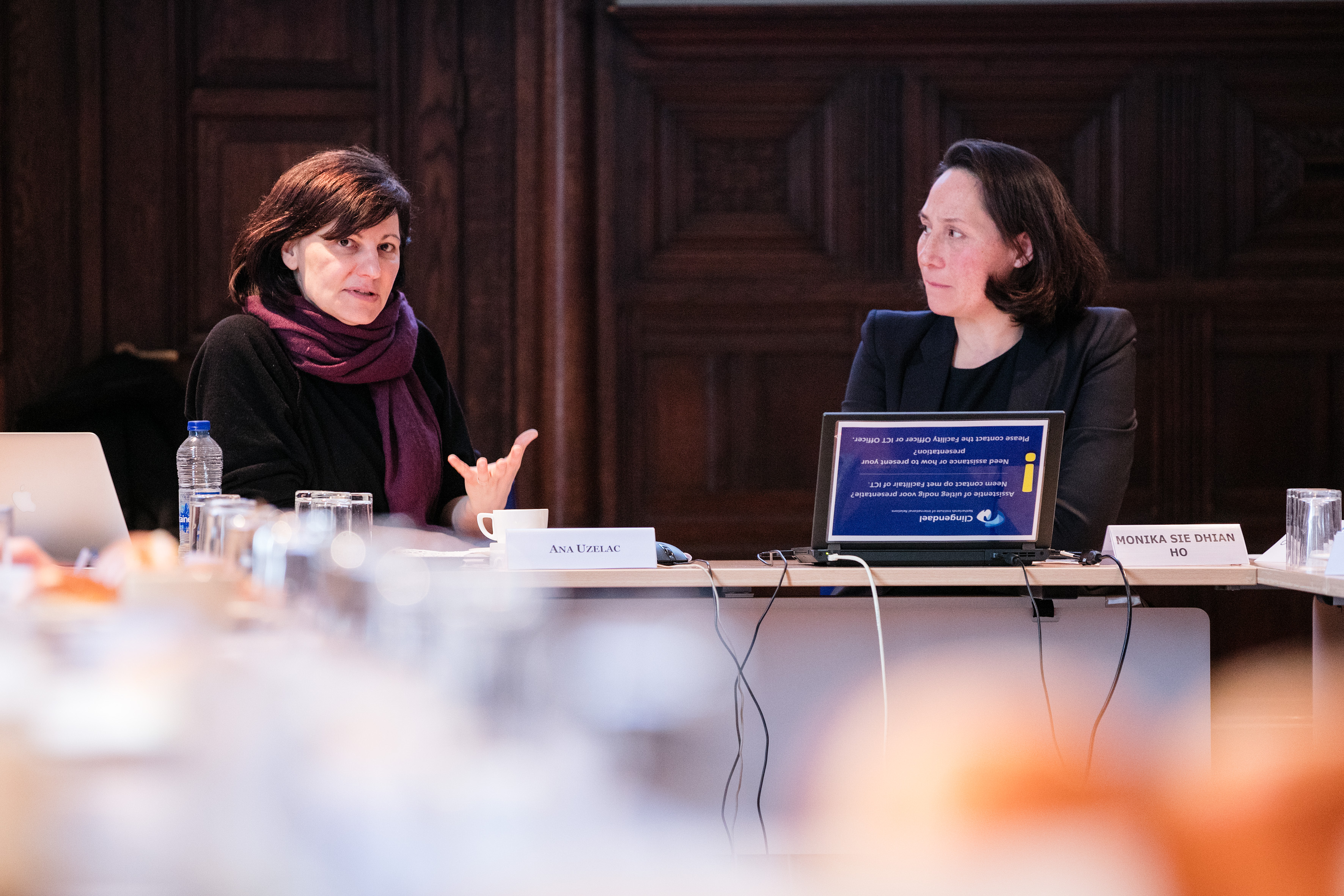 Clingendael's Ana Uzelac and Monika Sie during the debate on Syria