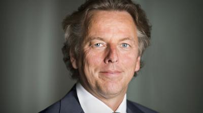Minister Koenders congratulates new diplomats at Clingendael