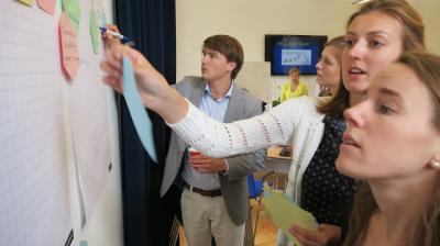 Junior Dutch Diplomats draft 4 future foreign policy scenarios