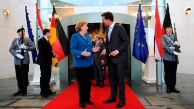 Rutte must show Merkel risks for EU of being too accommodating